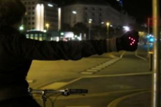 Γάντια με LED ειδικά για ποδηλάτες
